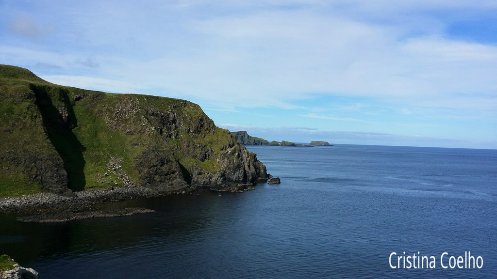Costa da Irlanda do Norte vista desde Kinbane Head