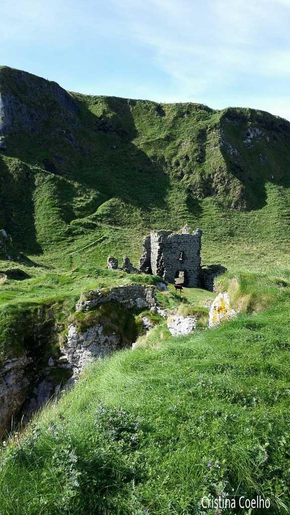 Castelo de Kinbane (pedras brancas)