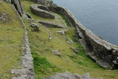 Já no mosteiro com vista para a Litle Skellig e Irlanda - Aqui os monges cultivavam os seus produtos e eram autosuficientes - Skellig Michael