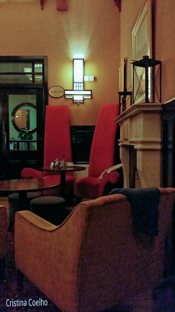Ireland, Kerry, Killarney, Restaurants Bars, Victoria House Pub IR