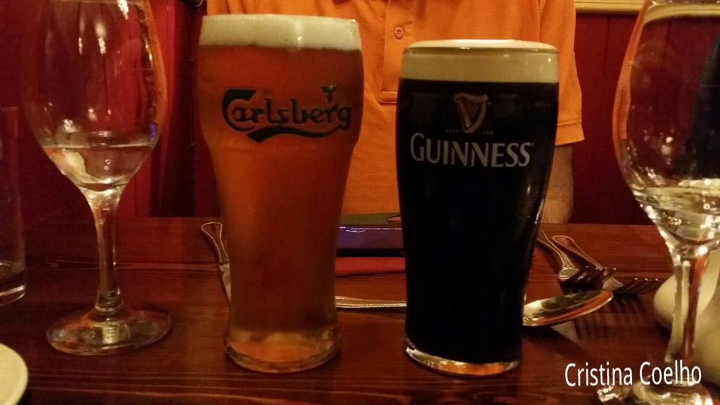 Drinks, Ireland, Kerry, Portmagee, Restaurants Bars, The Moorings & Bridge Bar IR