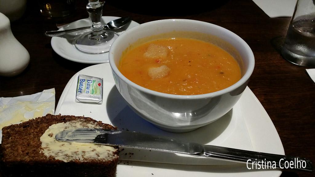 Food, Ireland, Kerry, Killarney, Bars, Victoria House Pub IR
