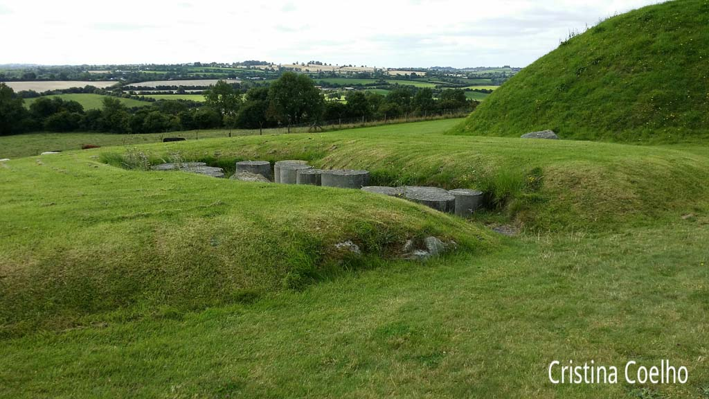 Ireland, Meath, Monuments, Newgrange, Newgrange and Knowth IR, Prehistoric tombs